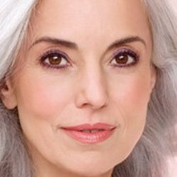 Возрастной макияж —  важны нюансы